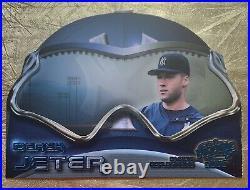 2000 Pacific REFLECTIONS Derek Jeter New York Yankees DIE CUT RARE LIMITED 197