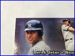 2002 Fleer Triple Crown Derek Jeter Auto Season Crowns Clean Autograph Rare