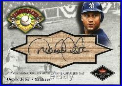 Derek Jeter 2001 Fleer Platinum Autograph Signature Game Used Bat Card Rare